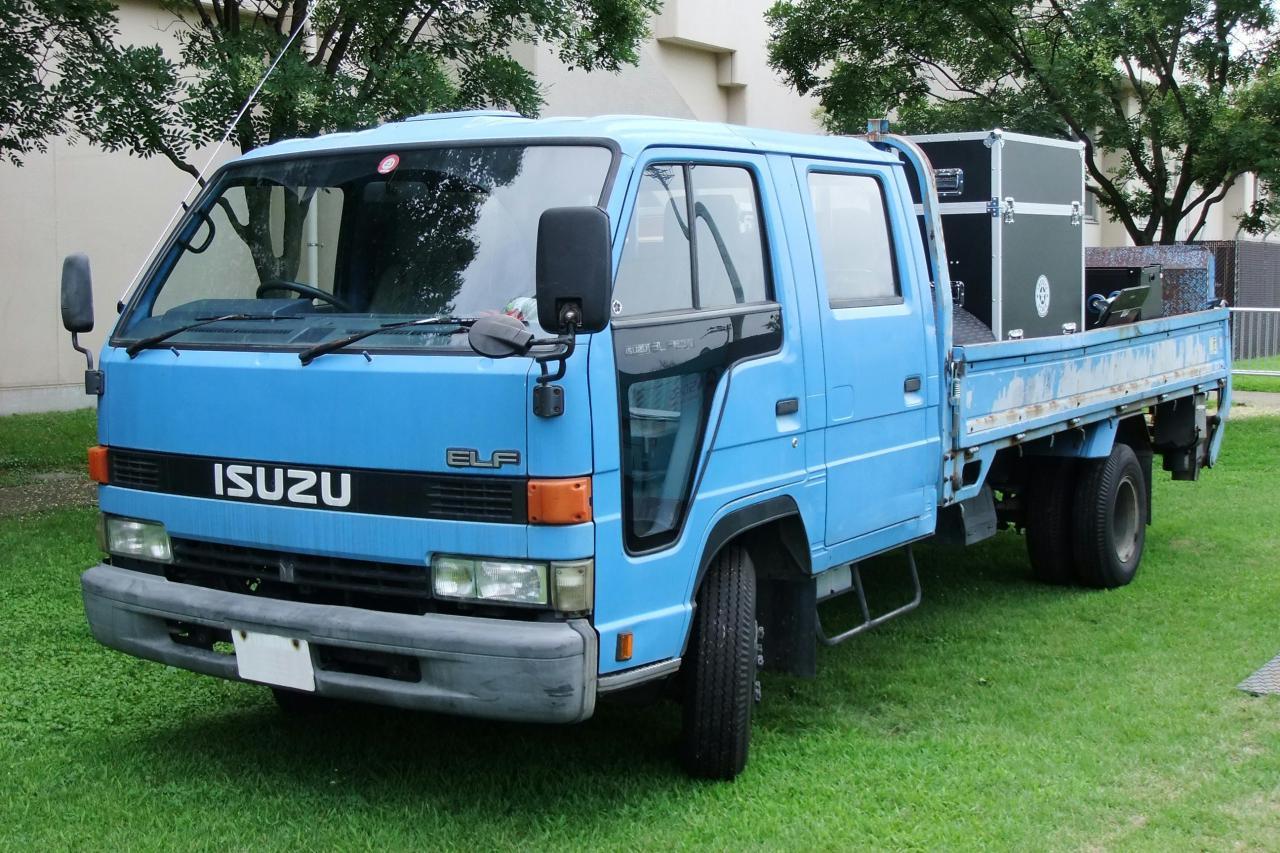 Isuzu N-Series / Elf IV (isuzu elf 4th gen dobule cab)